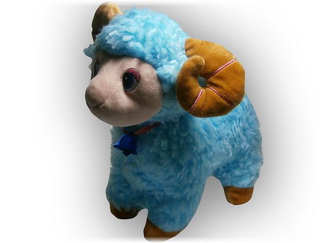 Голубая овечка - символ 2015 года  - с вашим звуком